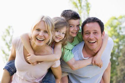 Mutismus Therapieziele Familie lacht